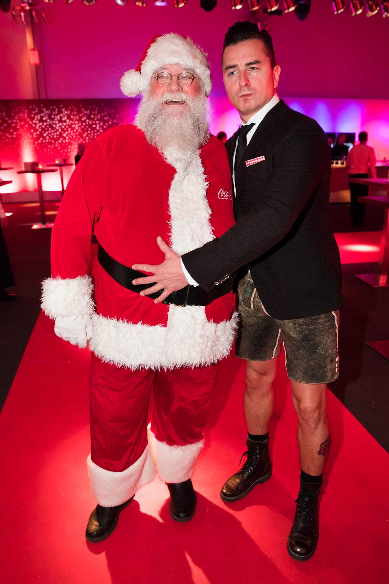 Andreas-Gabalier-Coke-Santa-Claus