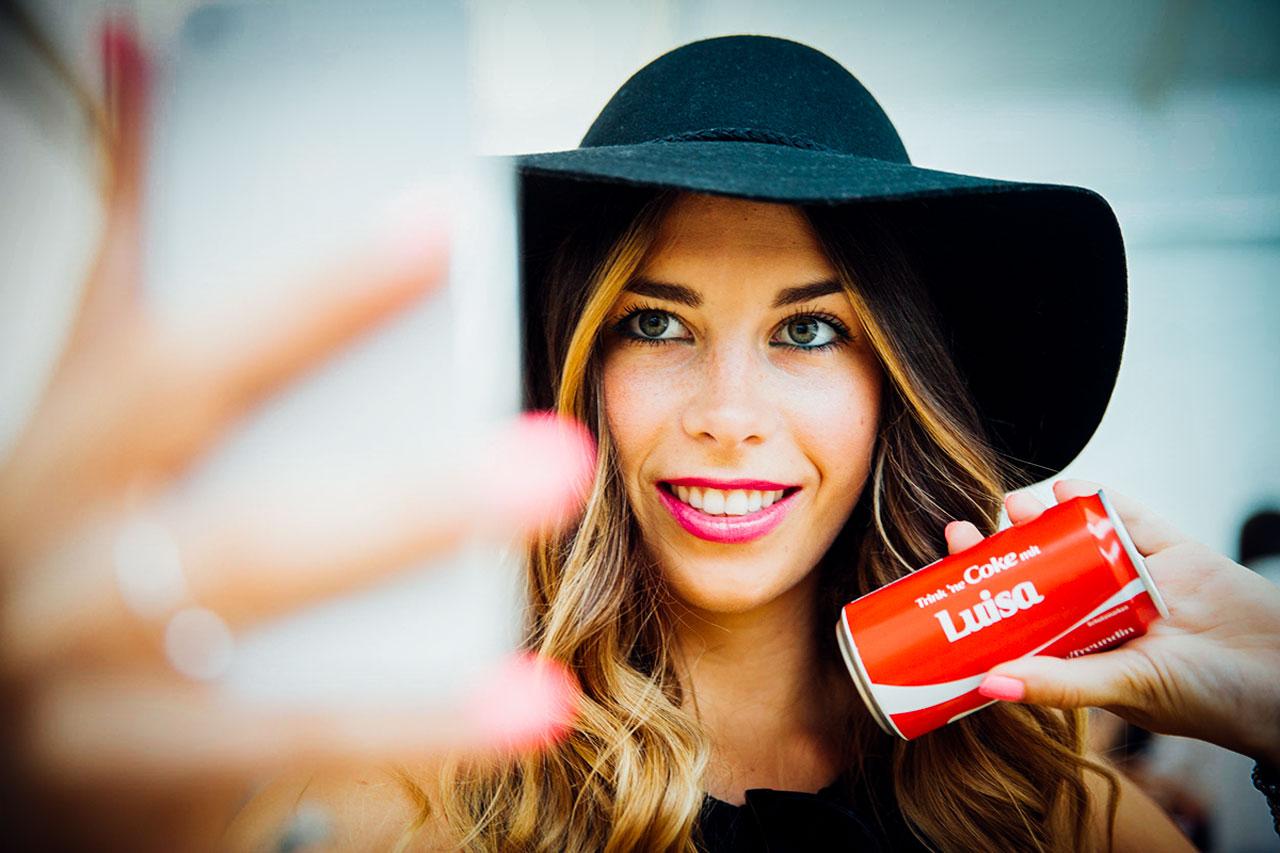 Coke-Blogger-Fashion-Selfie